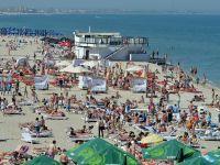 """Inspectorul Vacanta"". Plaja din Mamaia, impanzita de vanzatorii ambulanti"