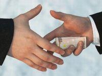 Peste jumatate din populatia lumii crede ca fenomenul coruptiei s-a agravat