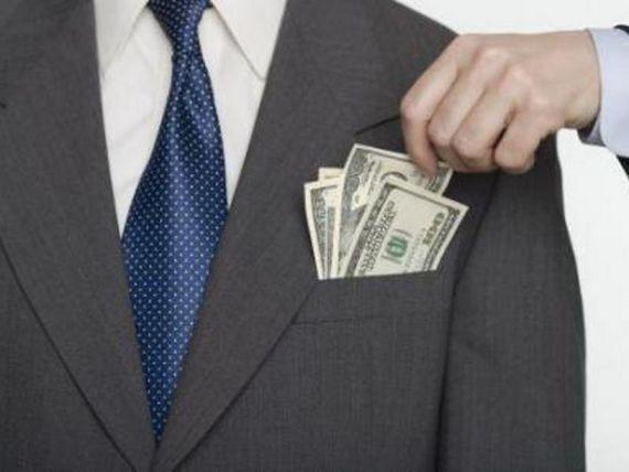 Jumatate dintre banci, nevoite sa sanctioneze angajatii pentru fapte de coruptie