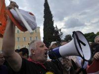 Grecia a adoptat noi masuri de austeritate. 25.000 de bugetari si-ar putea pierde joburile