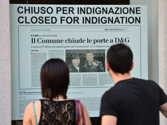 Creatorii Dolce Gabbana si-au inchis pentru 3 zile magazinele din Milano