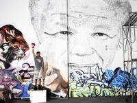 Omagiu inediat adus lui Nelson Mandela, in Shanghai