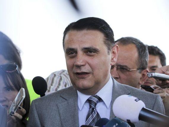 Numirea ministrului Transporturilor, la mana presedintelui. Propunerea semnata de Victor Ponta ajunge, astazi, la Cotroceni