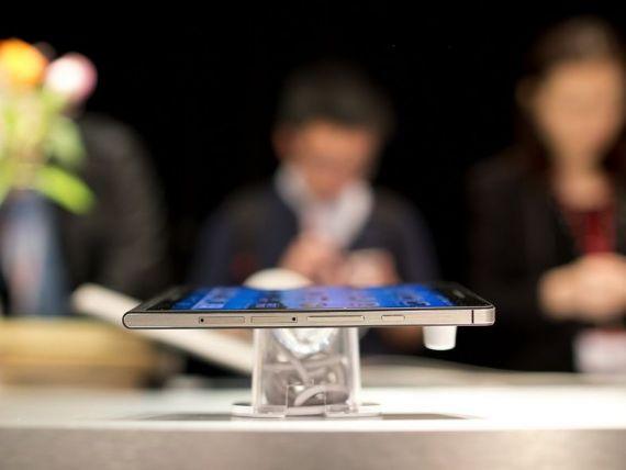 Piata smartphone:  Peste 1 miliard de clienti, vanzari de 300 mld. dolari pe an si preturi in scadere