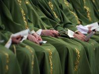 Un prelat de la Vatican, arestat pentru deturnare de fonduri, acuza cardinali de abuzuri financiare