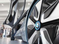 BMW adopta o noua strategie: doua masini la pret de una