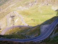 Dupa Transfagarasan si Transalpina, am putea traversa muntii si pe Transcarpatica. Pe unde va trece drumul sapat in stanca, la 1.600 metri altitudine