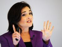 Sefa de la Facebook a incercat sa impiedice preluarea Tumblr de catre Yahoo