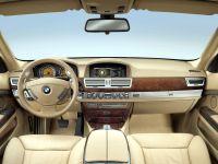 """De ce sunt toate masinile de azi la fel? Explica omul care a facut cel mai """"urat"""" BMW din istorie"""
