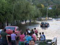 Noua morti si 1.500 de case au fost cuprinse de ape in 22 de localitati din estul tarii