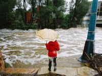 Bilantul inundatiilor din Mexic a ajuns la 186 de morti