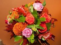 Buchete si aranjamente florale cu tematica de Halloween. FlorideLux estimeaza vanzari de 25.000 euro cu colectia de toamna