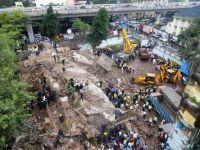 Un imobil de 5 etaje s-a prabusit in Mumbai. 20 de persoane sunt date disparute