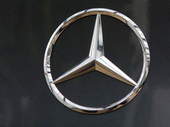 Producatorul german Daimler a contractat o linie de credit de 9 miliarde euro de la 40 de banci