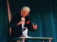 A murit magicianul John Calvert, o legenda a Hollywood-ului. Avea 102 ani