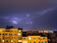 Cod portocaliu de ploi pentru Capitala si 8 judete din sud-estul tarii