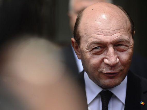 Traian Basescu, despre comisia Calarasi: E foarte bine, poate invata si politicienii sa nu fure terenuri