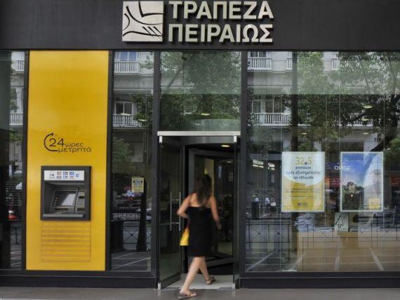 Piraeus Bank sterge datorii de pana la 20.000 de euro pentru clientii afectati de  criza umanitara  din Grecia