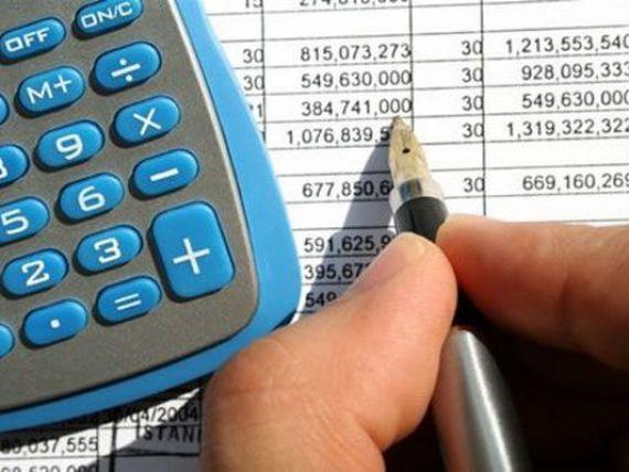 Buget 2014: Guvernul va opta pentru reducerea contributiilor sociale sau neimpozitarea salariului minim