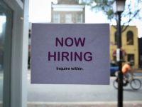 Anunturi de angajare false. Cum sunt inselati cei aflati in cautarea unui loc de munca si la ce trebuie sa fiti atenti cand vi se face o oferta