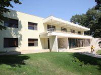 Guvernul ii propune lui Basescu sapte locuinte din care sa-si aleaga resedinta, intre care doua vile in Snagov si un apartament in Bulevardul Prezan