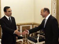 """Traian Basescu l-a decorat pe presedintele Renault-Nissan, Carlos Ghosn, cu Ordinul National """"Steaua Romaniei"""""""