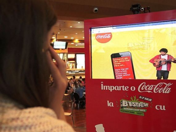 Coca-Cola Romania castiga Silver Drum la Festivalul de publicitate Golden Drum 2013, pentru campania  Imparte o Coca-Cola cu Adi Despot la B rsquo;ESTFEST