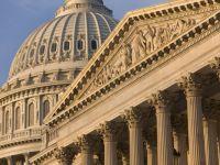 Un angajat al Senatului SUA, care doarme pe strazi, cere un salariu mai mare