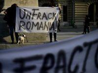Cateva sute de oameni protesteaza, in Bucuresti, impotriva gazelor de sist