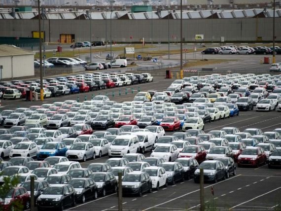 Piata auto europeana va creste in 2014, pentru prima data in 7 ani