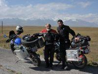 Doi romani au calatorit cu motocicletele prin Asia, cu buget redus, timp de 70 de zile