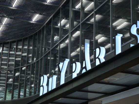 Hub-ul care atrage de 9 ori mai multi pasageri ca Henri Coanda, unde fiecare client cheltuieste 15 euro asteptand sa se imbarce in avion. GALERIE FOTO