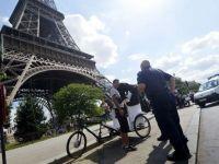 Protest, in Turnul Eiffel. Accesul turistilor a fost restrictionat