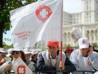 Mii de angajati din sanatate au protestat, sambata, la Guvern