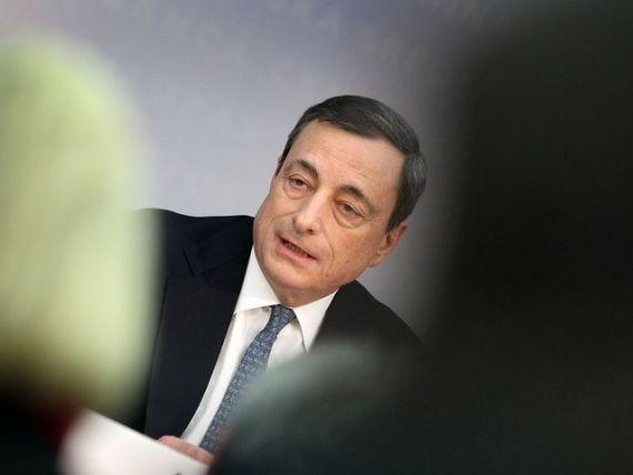 Draghi:  Zona euro se afla in pragul unei lungi perioade de inflatie scazuta . BCE a redus dobanda cheie la un nou minim, de 0,25%