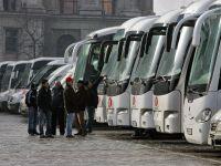 """Transportatorii rutieri ameninta cu proteste in decembrie, din cauza """"fiscalitatii exagerate"""" si a infrastructurii precare"""