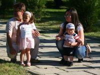 Parintii ar putea avea o zi libera platita pe an pentru ingrijirea copiilor