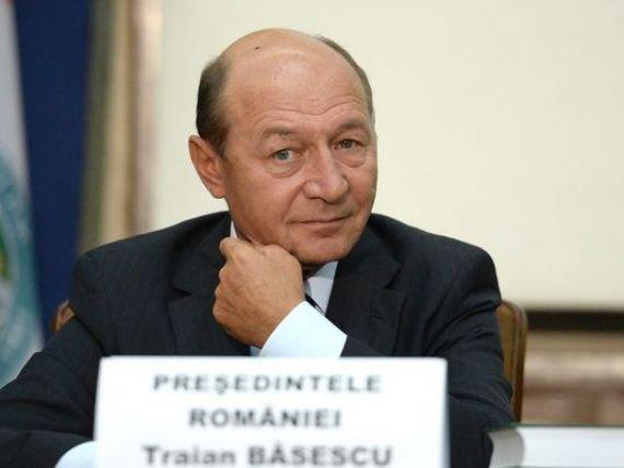 Traian Basescu  l-a avertizat  pe ministrul Chitoiu sa nu-l schimbe din functie pe seful CEC, institutia care a acordat fiicei presedintelui un credit de 1 mil. euro
