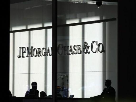 Alerta pe Wall Street. Moody s a retrogradat cele mai mari banci americane, guvernul SUA nu mai participa cu bani publici la salvarea lor