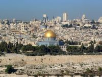 """Patriarhia: """"Pachetele oferite de Paralela 45 in Israel, mai scumpe cu 23% decat cele prin Biserica"""""""