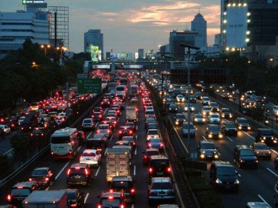 Tara in care soferii pierd opt zile pe an din cauza ambuteiajelor. Topul oraselor cu cel mai aglomerat trafic din lume