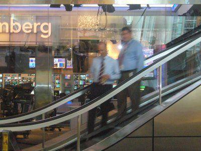 Bloomberg concediaza 40 de jurnalisti si reduce acoperirea mediatica in anumite domenii