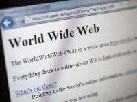 """Inventatorul www-ului, ingrijorat de viitorul propriei creatii: """"Guvernele se simt amenintate de internet si intaresc supravegherea"""""""