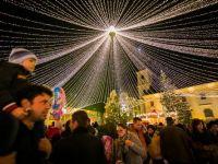 Mii de persoane au participat la deschiderea Targului de Craciun de la Sibiu