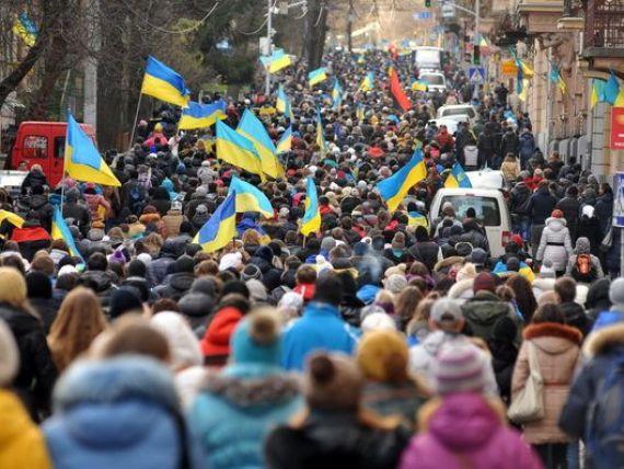 Riscul de creditare al Ucrainei a crescut la cel mai ridicat nivel din Europa, pe fondul protestelor violente de la Kiev