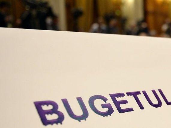 Bloomberg: Dezmatul cheltuielilor bugetare din campanie testeaza bugetul Romaniei