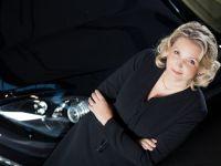 Femeia care vinde Porsche, Lamborghini si Bentley romanilor. Cine isi cumpara masina de lux in tara cu cele mai mici venituri din UE.  Piata luxului va rezista intotdeauna in Romania