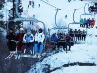 Oferte turistice de sarbatori: pensiuni all inclusive, croaziere pe Dunare sau pachete low-cost. Cat costa un sejur de 4 zile pe Valea Prahovei, Sibiu si Apuseni