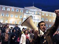 O treime din populatia Greciei are datorii la stat