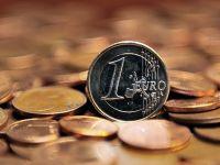 Cursul a urcat la 4,47 lei/euro, cel mai ridicat nivel din ultimele 3 luni